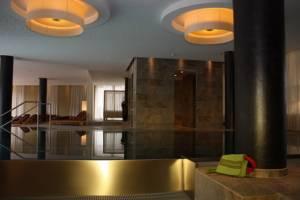 Wellnesspool im Falkensteiner Hotel Schladming