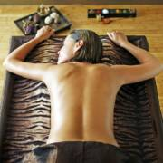 Wellness Treatment Mahalia Massage im Meridian Spa