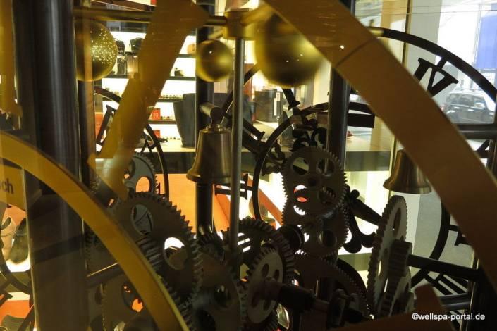 Swissotel Zürich Uhr
