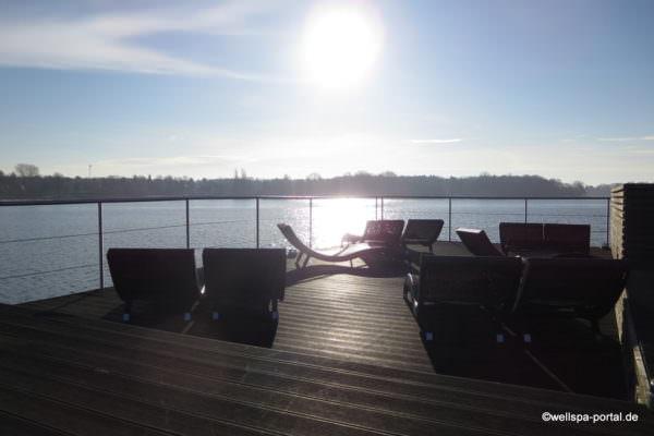 Sonnendeck auf der Seesauna