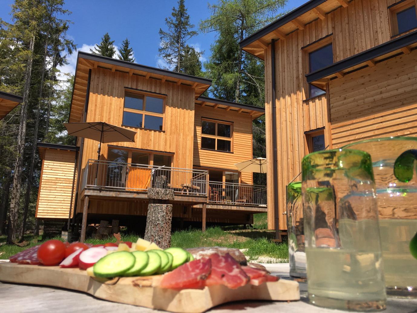 Genussreisetipps Val di Non Südtirol Forest Chalet Resort