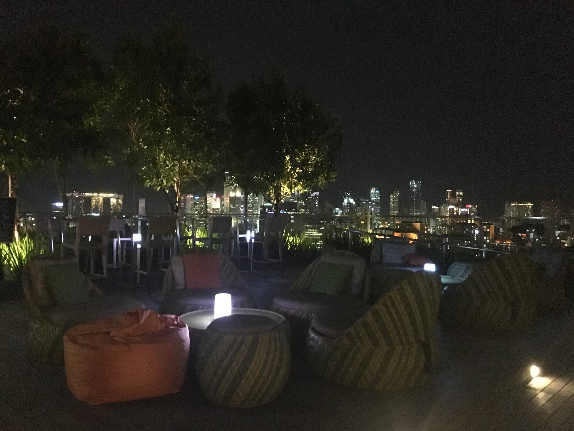 Dachterrasse des Hotel Jen Orchadgateway