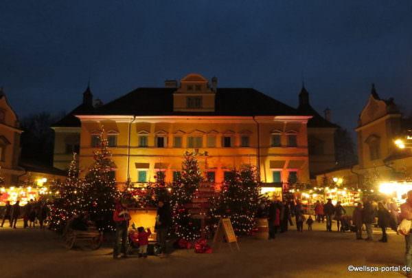 Adventsmarkt am Schloss Hellabrunn in Salzburg