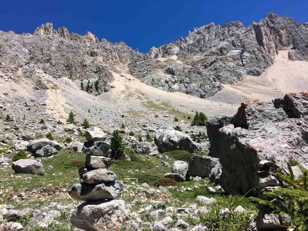 Steinmännchen im UNESCO Weltnaturerbe Dolomiten unterhalb des Rosengarten