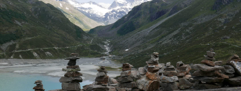 Die Bedeutung von Steinmännchen im Montafon. Früher Wegweiser und mehr, heute eher für Touristen