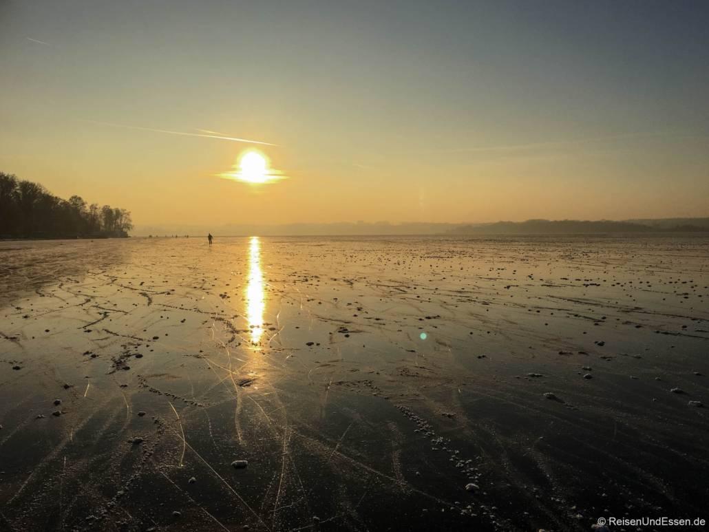 Ob Winter oder Sommer, der Wörthsee südliche von München ist immer ein traumhaftes Reiseziel. Besonders als Naherholungsgebiet für die bayrische Hauptstadt