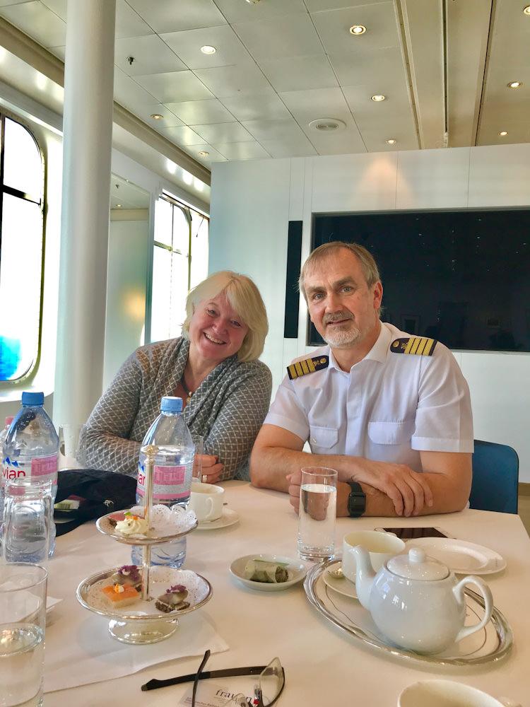 Produktmanagerin Gabi Haupt und Kapitän Mark Behrend @Astrid Steinbrecher-Raitmayr