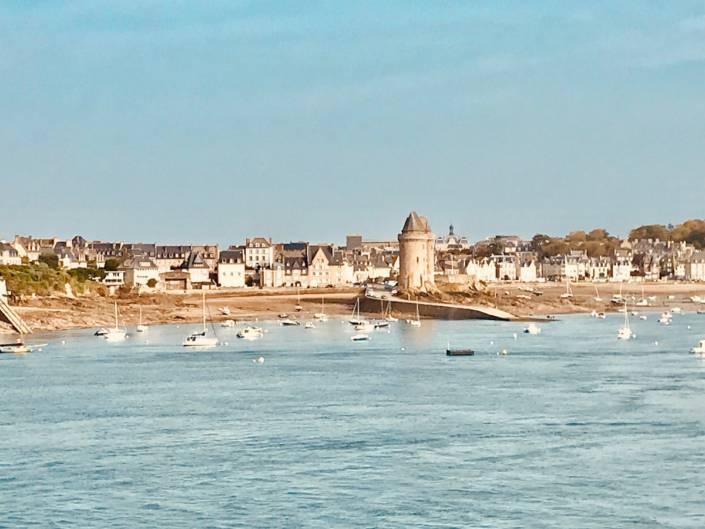 Saint-Malo lebt wie eh und je in stolzer Abgeschiedenheit, auf drei Seiten von Meer und Hafen umgeben @Astrid Steinbrecher-Raitmayr