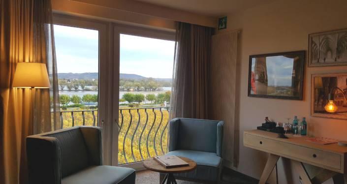 Fine Living Hotel Rheingau_Zimmerblick auf den Jesuitengarten und den Rhein