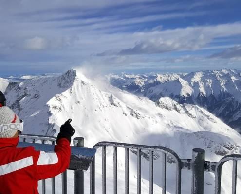 Blick vom Gletscher über die Alpen