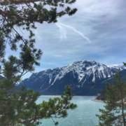 Ausflugstipp München, Bayern. Kurzurlaub oder auch Wochenend Reise an den Achensee in Tirol zum Wandern, Radfahren und genießen. Auszeit beim Genusswandern, Klettern und im Vitalberg mit Steinöl.
