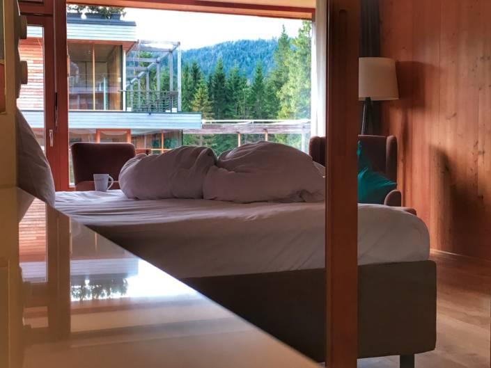 Du suchst ein #Hotel für #Ruhe #Aus, #ZeitfürMich? Perfekt eignet sich ein #Hideaway inmitten der Berge. #Bayern am Fuss der Zugspitze für einen #Wellnessurlaub der besonderen Art