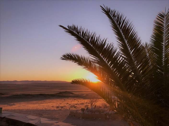 Namibia ist ein Traumland auch für Fotografen. Große Gegensätze sorgen für den besonderen Charme des Landes. Besonders für Auszeitgeniesser und Genussabenteurer bieten Wüste, Farben und Formen ein echtes Highlight Namibias. Unterwegs in Afrika zwischen Wüsten, Nationalparks und wilden Tieren. #Namibia #Fotografie #Tipps #Reise #Fotoparade #Auszeitgeniesser