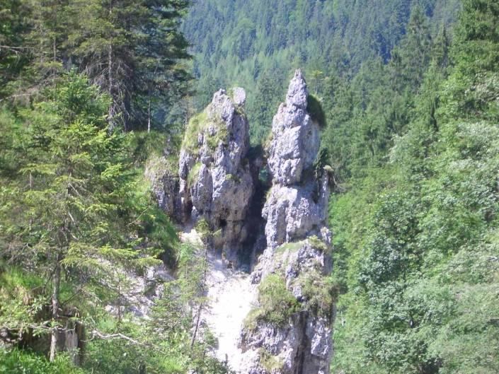 Ausflugsziele fürs Wochenende. Wandern in der Wimbachklamm im Berchtesgadener Land zu jeder Jahreszeit ein Genussabenteuer. #Auszeit #Auszeitgeniesser #Genusswandern #Bayern
