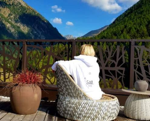 Herbsturlaub in Südtirol mit Wellness und Wandern. Tolle Angebote für Kurzurlaub im Herbst bieten 4 Sterne Wellnesshotels mit Spa, Genuss und regionaler Küche. Auszeit vom Alltag, Genuss für Zwei, Zeit für mich. Wellnessurlaub Südtirol. #Wellness #Urlaub #Südtirol #Wellnessurlaub #Angebot #Kurzurlaub #Wellnesshotel #Wandern #Auszeit #WellSpaPortal