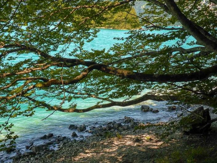 Schönste Bergseen Alpen. Urlaub am See in den Alpen. Seenliebe in Sachen Genusswandern. Auszeit in Bayern für Ausflugsziele am Wochenende. #Auszeit #Seenliebe #Genusswandern #Urlaub #Bergsee